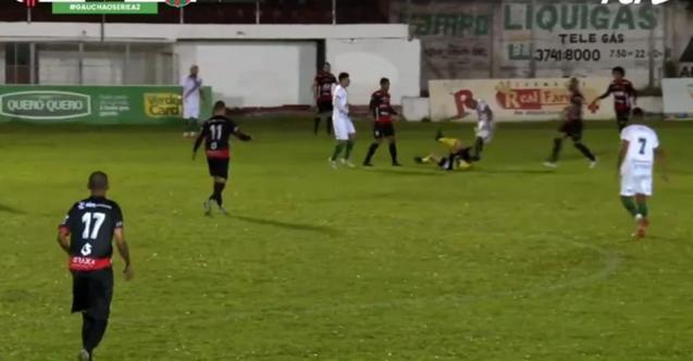 Brezilya'da hakeme tekme ile saldıran futbolcu tutuklandı