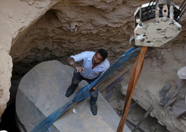 Yaklaşık 2,7 metre uzunluğunda ve 1,5 metre genişliğindeki lahit, bugüne kadar kentte keşfedilen en büyük antik lahitti.