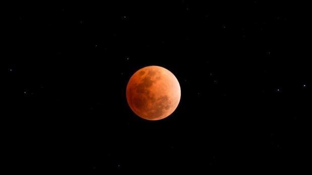 İşte, Türkiye ve dünyadan çekilen 'Süper Kanlı Mavi Ay' tutulması...