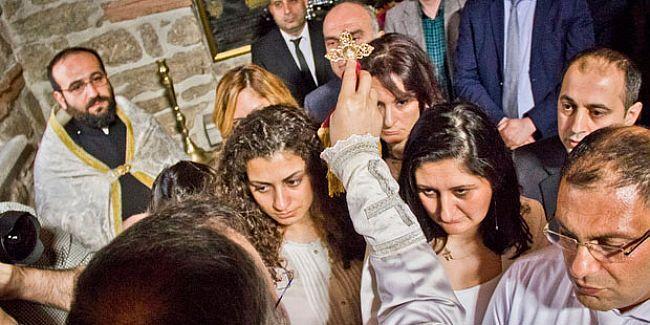 12 Dersimli Ermeni vaftiz edildi