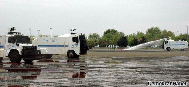 1 Mayıs öncesi polislere özel TOMA eğitimi