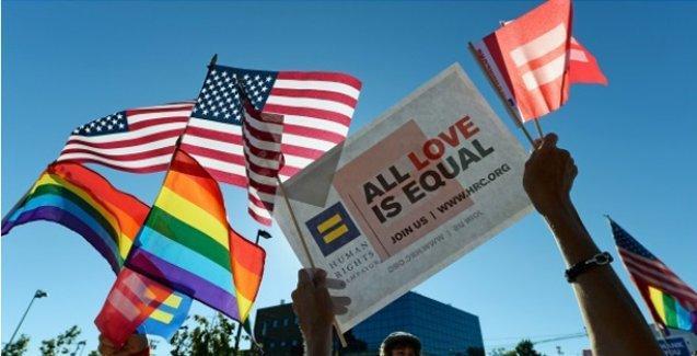 ABD Anayasa Mahkemesi'nden tüm ülkede eşcinsel evliliklere onay