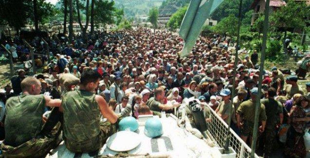 20. yıldönümünde Srebrenistsa katliamının kurbanları anılıyor