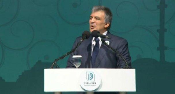 Abdullah Gül'den, Erdoğan'ın da bulunduğu iftarda dış politika eleştirisi