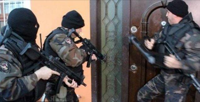 Hakkari'de 13 öğrenci gözaltına alında