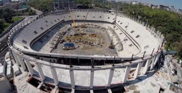 Beşiktaş Vodafone Arena'da iskele çöktü!