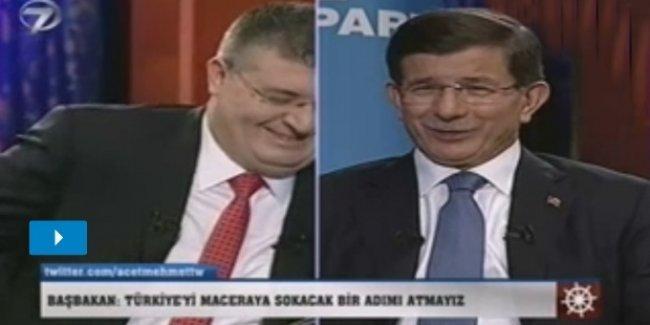 Davutoğlu: Türkiye'de zalim bir rejim var, 4 yıldır kendi halkını katlediyor!
