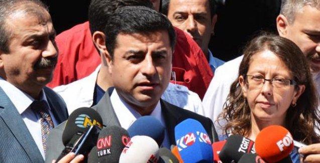 Demirtaş'tan Akdoğan'a yanıt: Dolmabahçe mutabakatı okunurken oradaydın