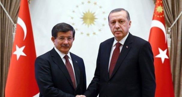 Erdoğan, hükümeti kurma görevini Davutoğlu'na verdi