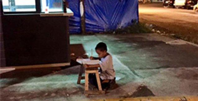 Evsiz çocuğun okuma azmi