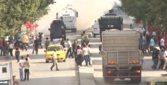 Gazi Mahallesi'nde polis cenazeye saldırdı