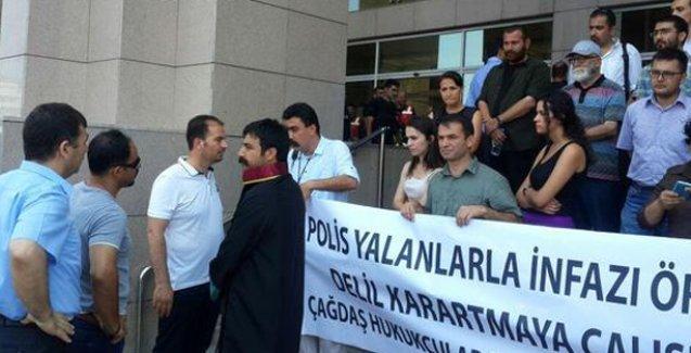 Günay Özarslan için adliye önünde açıklama yapan avukatlara polis saldırısı