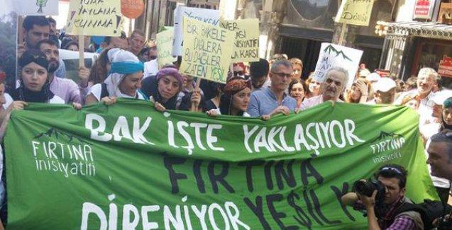 İstanbul 'Yeşil Yol'a karşı yürüdü, direnişi selamladı: 'Yol yeşilken geri dönün'