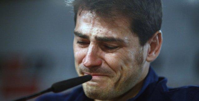Real'e veda eden Casillas gözyaşlarını tutamadı