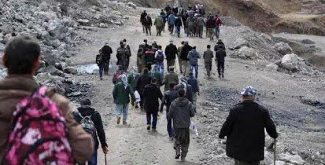 Roboskililer askerin baskısı ve yayla yasaklarına karşı sınıra yürüyor