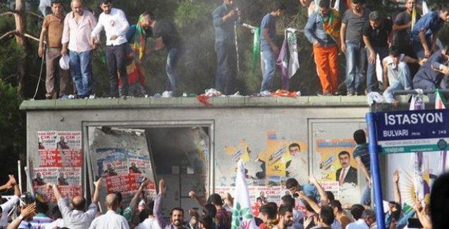Suruç'taki canlı bomba, Diyarbakır bombacısıyla arkadaş iddiası