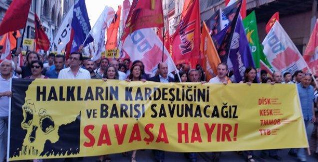 Taksim'de savaş karşıtı yürüyüş