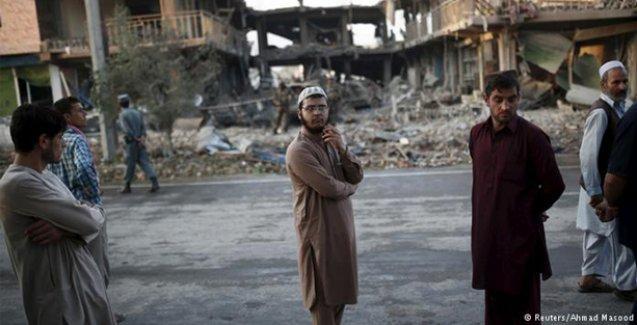 Afganistan'da intihar saldırısı: 8 ölü, 400 yaralı