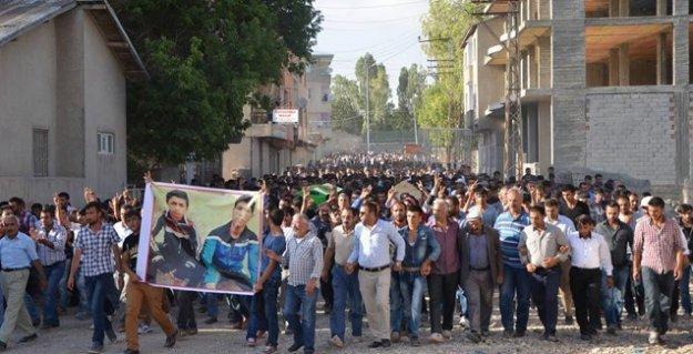 Ağrı'da özel harekatçıların öldürdüğü çocuklar son yolculuğuna uğurlandı