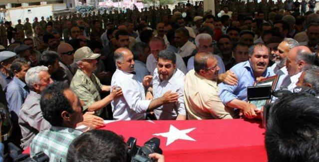 Asker cenazesinde Erdoğan'a tepki: 'Söyleyin Bilal'i askere göndersin'