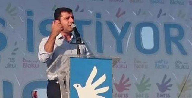 Demirtaş Davutoğlu'na seslendi: IŞİD'le, şiddetle, silahla arana mesafe koy!