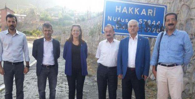 DİSK, KESK, TMMOB, TTB ve İHD heyetleri Yüksekova'ya sokulmadı