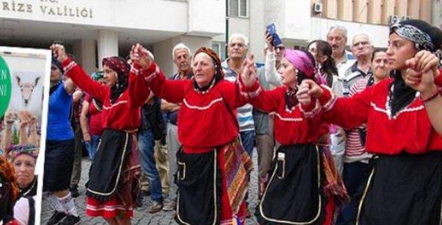 Havva Ana, Rize Valiliği önünde horon oynadı: Yaylaların hükümeti biziz