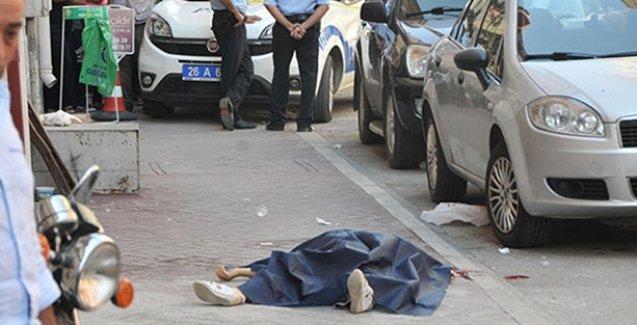 Kocası tarafından sokak ortasında katledildi