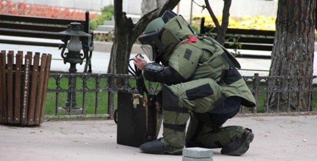 Okmeydanı'nda kontrollü bir şekilde patlatılan şüpheli paketten bomba çıktı