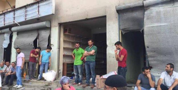Varto'da onlarca ev ve iş yeri taranıp, ateşe verildi