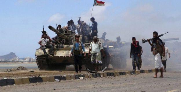 Yemen'de Husiler stratejik noktaları ele geçirdi