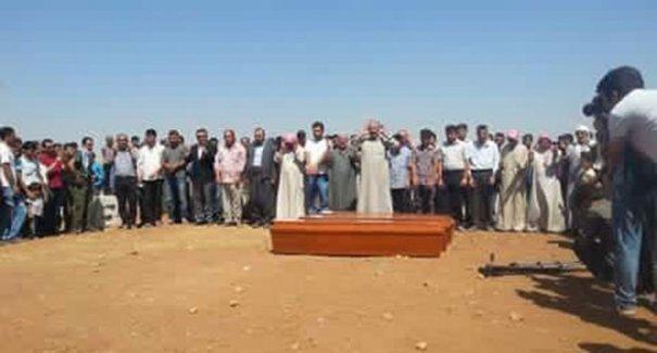 Aylan Kurdi, ağabeyi ve annesi ile Kobani'de toprağa verildi