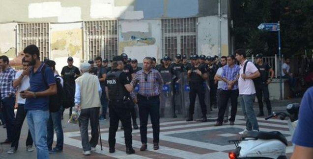 Aziz Güler için Kadıköy'de kurulmak istenen taziye çadırına polis saldırısı