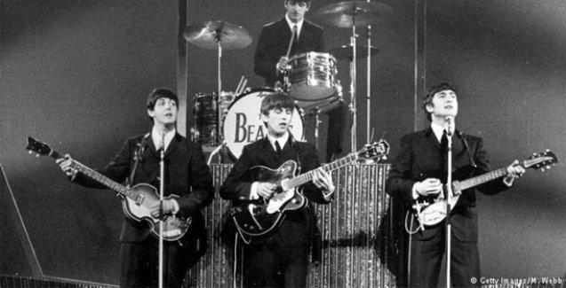 Beatles'in ilk albüm anlaşması satıldı