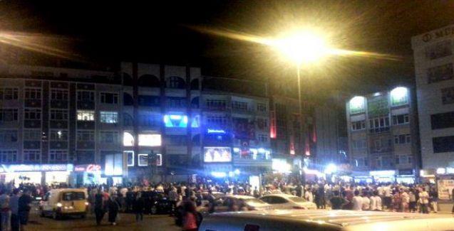 Çorlu'da binlerce kişi HDP binasına saldırdı