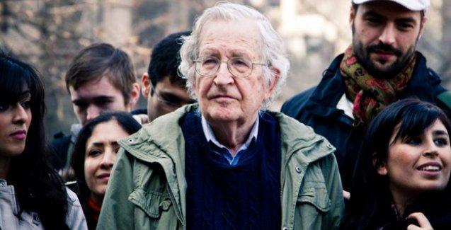 Chomsky: İnsanlar hayatta kalma şanslarını yok ediyor olabilir
