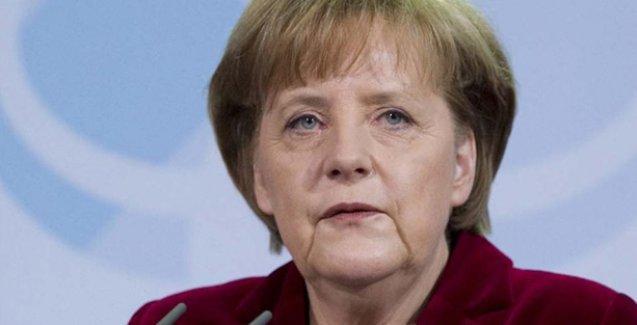 Merkel: Suriye sorununun çözümünde Esad'la da görüşülmeli