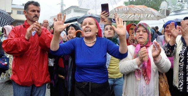 Polis cenazesinde AKP protestosu: Gelmesinler