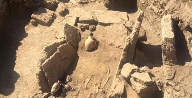 Pompei'de 2 bin yıllık mezar bulunduzmir