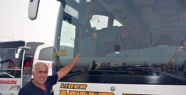 Saldırıya uğrayan otobüs şoförü: Devletin polisi parke taşını camıma vurdu!