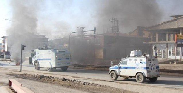 Yüksekova'da polis panzerden taradı: 1 genç katledildi