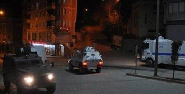 Polis Yüksekova'da 3 kişiyi silahla vurdu