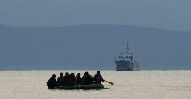 Ege'de mültecileri taşıyan bir tekne daha battı