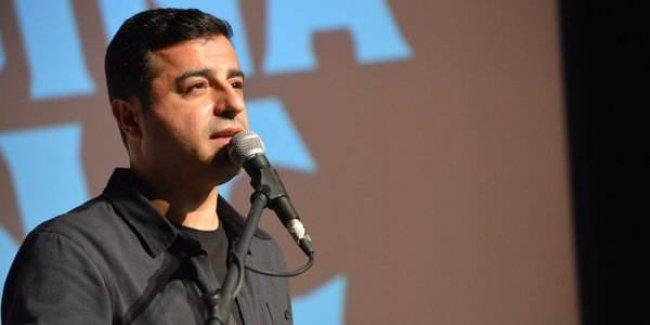 'Diktatörün devrildiği filmi izlediniz mi?' sorusunu yanıtlayan Demirtaş: Bizatihi çekiyoruz