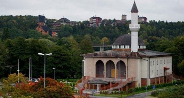 'Eşcinsellik virüstür' vaazı verilen camiye İsveç'ten ceza