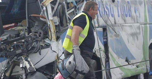 Fransa'da trafik faciası: En az 42 ölü