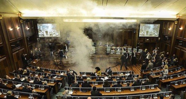 Meclise biber gazı atıldı