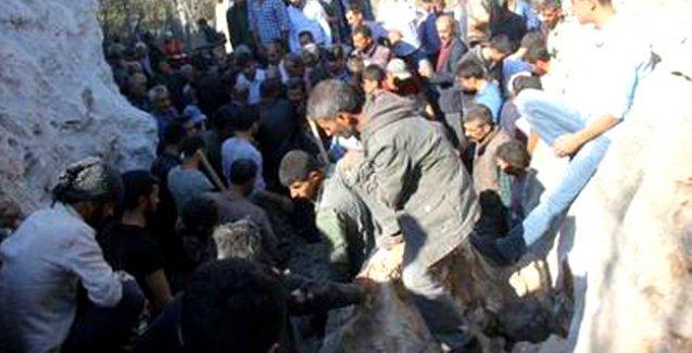 PKK'nin 'eylemsizlik' kararı sonrası: Lice kırsalında 8 cenaze bulundu, mezarlıklar bombalandı
