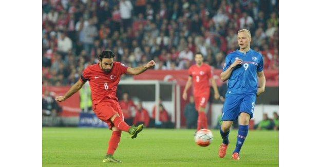 Selçuk İnan'dan İzlanda'ya altın gol: Türkiye Euro 2016'ya direkt gidiyor