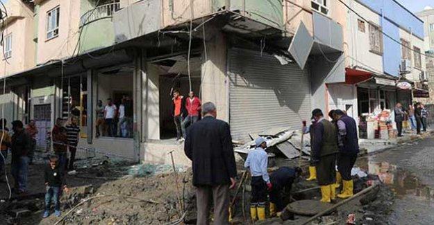 Silopi'de polis rastgele etrafı taradı, bir genç yaralandı